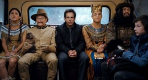 Theodore Roosevelt (Williams), Larry Daley (Stiller) and Ahkmenrah (Malek) ride a bus in search of a magic tombstone.